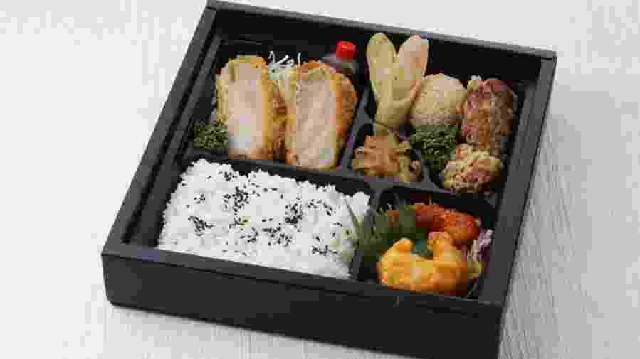 天津弁当1800円